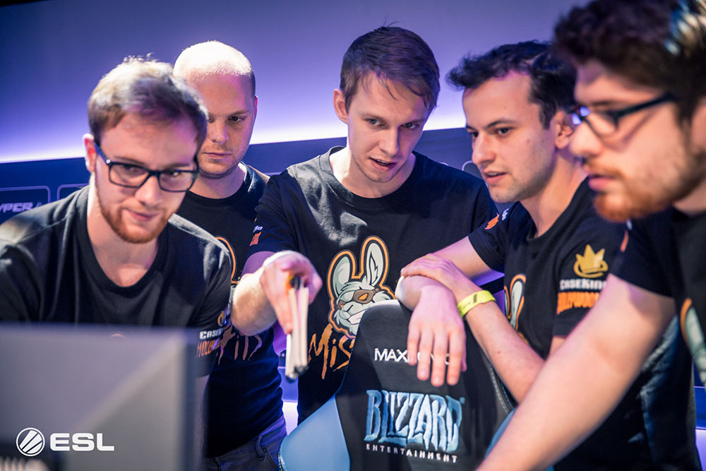Misfits Heroes of the Storm team with their coach Jowe
