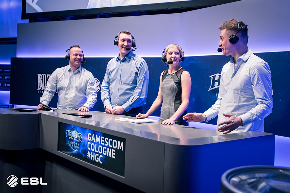 The analyst desk at ESL GamesCom 2016