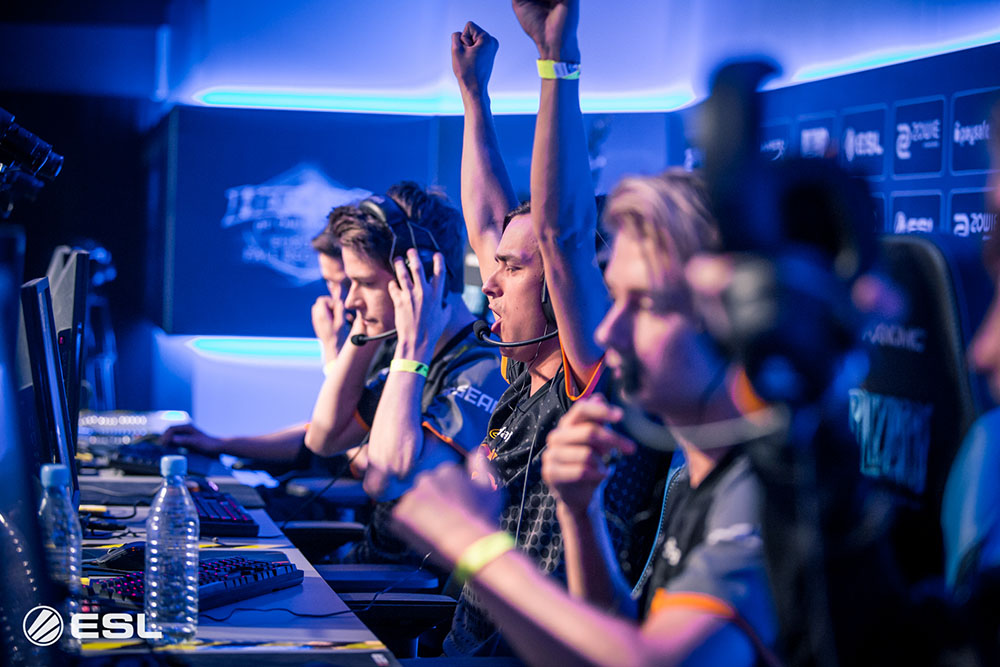 Fnatic celebrating after a win at Gamescom