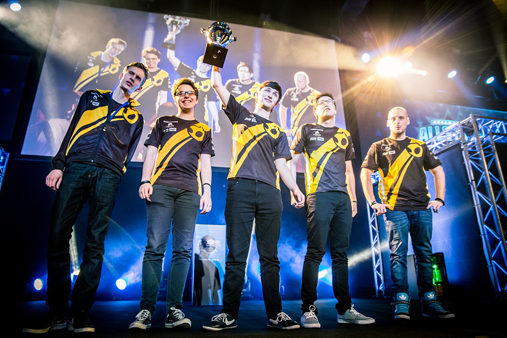 Dignitas holding the first place trophy at DreamHack Valencia